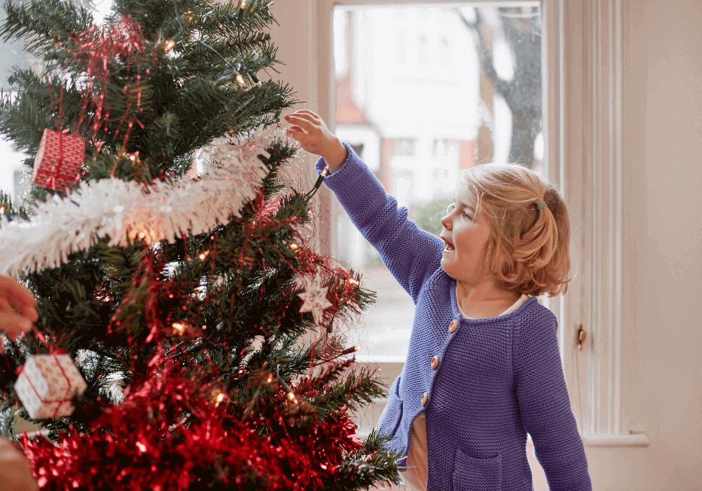Choinka wpokoju dziecka – przedstawiamy kilka powodów, dlaczego warto ją tam umieścić!