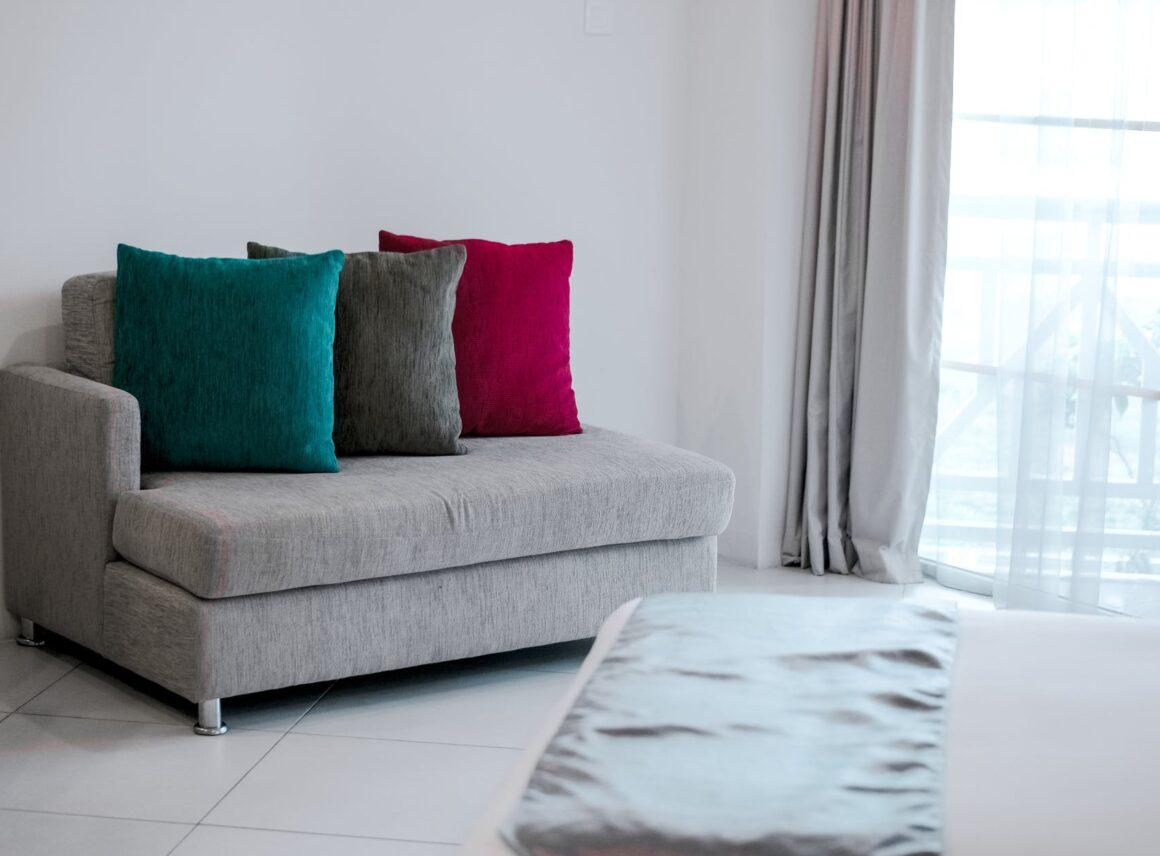 Sofa dla dziecka – odjakiego wieku dziecko może spać nasofie?